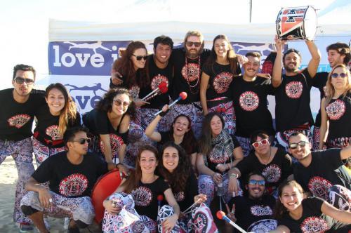 bolo-batala-barcelona-torneo-volley-playa-banda-percusion
